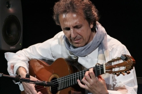 """Jueves Flamencos: Juan Carlos Romero (14) • <a style=""""font-size:0.8em;"""" href=""""http://www.flickr.com/photos/129072575@N05/26813167976/"""" target=""""_blank"""">View on Flickr</a>"""