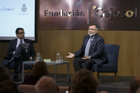 "Aula de Cultura ABC de Sevilla: José Calvo Poyato (4) • <a style=""font-size:0.8em;"" href=""http://www.flickr.com/photos/129072575@N05/26676099420/"" target=""_blank"">View on Flickr</a>"