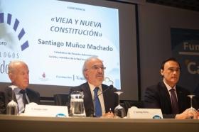 """Conferencia de Santiago Muñoz Machado en la Fundación Cajasol (Córdoba) (8) • <a style=""""font-size:0.8em;"""" href=""""http://www.flickr.com/photos/129072575@N05/27088785485/"""" target=""""_blank"""">View on Flickr</a>"""