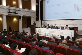 """Jornadas 'El acuerdo de Asociación Centroamérica-UE: una gran oportunidad de negocio para las empresas andaluzas' en la Fundación Cajasol (11) • <a style=""""font-size:0.8em;"""" href=""""http://www.flickr.com/photos/129072575@N05/16491415745/"""" target=""""_blank"""">View on Flickr</a>"""