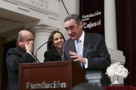 "IV Gala 'Olivo de Plata' en la Fundación Cajasol (8) • <a style=""font-size:0.8em;"" href=""http://www.flickr.com/photos/129072575@N05/16344270489/"" target=""_blank"">View on Flickr</a>"