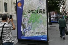 """Exposición 'Como el Puerto de Sevilla, ninguno', en la Avenida de la Constitución • <a style=""""font-size:0.8em;"""" href=""""http://www.flickr.com/photos/129072575@N05/30185224395/"""" target=""""_blank"""">View on Flickr</a>"""