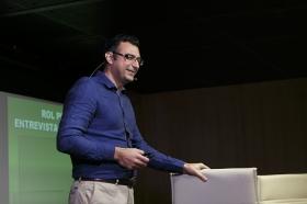 """Conferencia sobre 'Impresionar en tu Primera Entrevista de Trabajo' en la Fundación Cajasol (10) • <a style=""""font-size:0.8em;"""" href=""""http://www.flickr.com/photos/129072575@N05/28168005791/"""" target=""""_blank"""">View on Flickr</a>"""