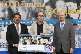 "Entrega de Bonos Sociales del programa '1.000 familias... 1.000 ayudas' (7) • <a style=""font-size:0.8em;"" href=""http://www.flickr.com/photos/129072575@N05/15856356798/"" target=""_blank"">View on Flickr</a>"