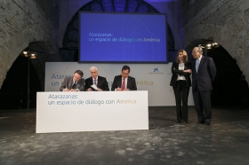 """Presentación de Atarazanas: un espacio de diálogo con América (17) • <a style=""""font-size:0.8em;"""" href=""""http://www.flickr.com/photos/129072575@N05/15872082020/"""" target=""""_blank"""">View on Flickr</a>"""