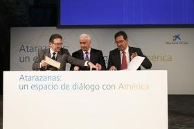 """Presentación de Atarazanas: un espacio de diálogo con América (19) • <a style=""""font-size:0.8em;"""" href=""""http://www.flickr.com/photos/129072575@N05/16033585166/"""" target=""""_blank"""">View on Flickr</a>"""