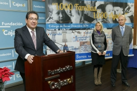 "Entrega de Bonos Sociales del programa '1.000 familias... 1.000 ayudas' (25) • <a style=""font-size:0.8em;"" href=""http://www.flickr.com/photos/129072575@N05/15856359148/"" target=""_blank"">View on Flickr</a>"