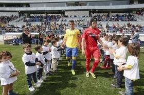 "Tour infantil por el Ramón de Carranza en el Cádiz-Sevilla Atlético (7) • <a style=""font-size:0.8em;"" href=""http://www.flickr.com/photos/129072575@N05/16199392064/"" target=""_blank"">View on Flickr</a>"