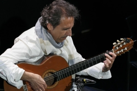 """Jueves Flamencos: Juan Carlos Romero (17) • <a style=""""font-size:0.8em;"""" href=""""http://www.flickr.com/photos/129072575@N05/26574318850/"""" target=""""_blank"""">View on Flickr</a>"""