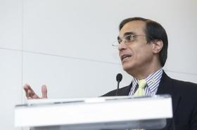 """Conferencia de José Luis Cordeiro sobre tecnologías del futuro (4) • <a style=""""font-size:0.8em;"""" href=""""http://www.flickr.com/photos/129072575@N05/17242216939/"""" target=""""_blank"""">View on Flickr</a>"""