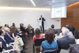 """Conferencia de José Luis Cordeiro sobre tecnologías del futuro (8) • <a style=""""font-size:0.8em;"""" href=""""http://www.flickr.com/photos/129072575@N05/17242226259/"""" target=""""_blank"""">View on Flickr</a>"""