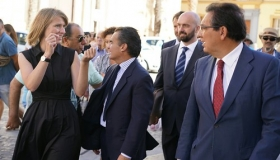 """Inauguración de la exposición de esculturas de Henry Moore en Cádiz (23) • <a style=""""font-size:0.8em;"""" href=""""http://www.flickr.com/photos/129072575@N05/29051530014/"""" target=""""_blank"""">View on Flickr</a>"""