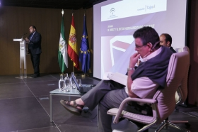 "Jornada 'El 'Brexit' y el sector agroalimentario andaluz' (19) • <a style=""font-size:0.8em;"" href=""http://www.flickr.com/photos/129072575@N05/28259211310/"" target=""_blank"">View on Flickr</a>"
