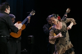 """Jueves Flamencos de la Fundación Cajasol: Toni El Pelao y la Uchi (11) • <a style=""""font-size:0.8em;"""" href=""""http://www.flickr.com/photos/129072575@N05/16731336462/"""" target=""""_blank"""">View on Flickr</a>"""
