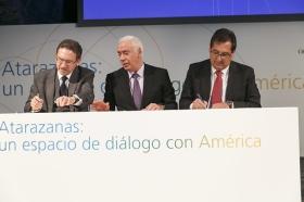 """Presentación de Atarazanas: un espacio de diálogo con América (18) • <a style=""""font-size:0.8em;"""" href=""""http://www.flickr.com/photos/129072575@N05/16033584946/"""" target=""""_blank"""">View on Flickr</a>"""