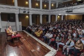 "Conferencia de Guen Ghokga en la Fundación Cajasol (7) • <a style=""font-size:0.8em;"" href=""http://www.flickr.com/photos/129072575@N05/16632215068/"" target=""_blank"">View on Flickr</a>"
