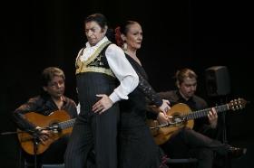 """Jueves Flamencos de la Fundación Cajasol: Toni El Pelao y la Uchi • <a style=""""font-size:0.8em;"""" href=""""http://www.flickr.com/photos/129072575@N05/16112458263/"""" target=""""_blank"""">View on Flickr</a>"""
