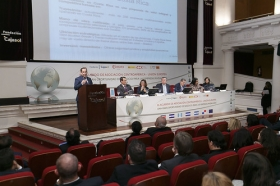 """Jornadas 'El acuerdo de Asociación Centroamérica-UE: una gran oportunidad de negocio para las empresas andaluzas' en la Fundación Cajasol (18) • <a style=""""font-size:0.8em;"""" href=""""http://www.flickr.com/photos/129072575@N05/16490419342/"""" target=""""_blank"""">View on Flickr</a>"""