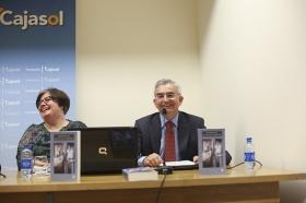 """Presentación de la obra 'Me casé con un periodista', de José Joaquín León (4) • <a style=""""font-size:0.8em;"""" href=""""http://www.flickr.com/photos/129072575@N05/16514980918/"""" target=""""_blank"""">View on Flickr</a>"""