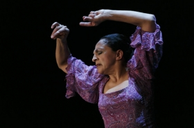 """Actuación de Carmen Cortés en los Jueves Flamencos de la Fundación Cajasol (12) • <a style=""""font-size:0.8em;"""" href=""""http://www.flickr.com/photos/129072575@N05/15816236618/"""" target=""""_blank"""">View on Flickr</a>"""
