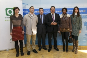 """Clausura del programa '100 Caminos al Éxito' (65) • <a style=""""font-size:0.8em;"""" href=""""http://www.flickr.com/photos/129072575@N05/15817636509/"""" target=""""_blank"""">View on Flickr</a>"""