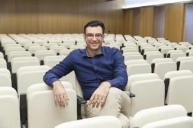"""Conferencia sobre 'Impresionar en tu Primera Entrevista de Trabajo' en la Fundación Cajasol (4) • <a style=""""font-size:0.8em;"""" href=""""http://www.flickr.com/photos/129072575@N05/28246014785/"""" target=""""_blank"""">View on Flickr</a>"""