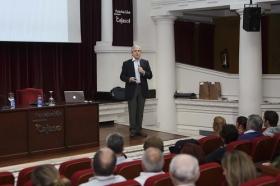 """Ciclo de Conferencias por el Día Mundial del Parkinson (4) • <a style=""""font-size:0.8em;"""" href=""""http://www.flickr.com/photos/129072575@N05/16909566958/"""" target=""""_blank"""">View on Flickr</a>"""