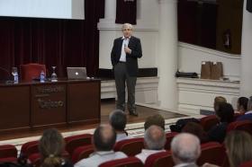 """Ciclo de Conferencias por el Día Mundial del Parkinson (5) • <a style=""""font-size:0.8em;"""" href=""""http://www.flickr.com/photos/129072575@N05/17071390526/"""" target=""""_blank"""">View on Flickr</a>"""