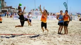 "XXIV Trofeo Carranza de Balonmano Playa (5) • <a style=""font-size:0.8em;"" href=""http://www.flickr.com/photos/129072575@N05/28721284321/"" target=""_blank"">View on Flickr</a>"