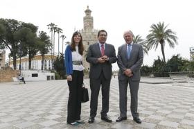 """Presentación de la guía sobre la Torre del Oro 'Sevilla, Puerta de Indias' (3) • <a style=""""font-size:0.8em;"""" href=""""http://www.flickr.com/photos/129072575@N05/17158816465/"""" target=""""_blank"""">View on Flickr</a>"""