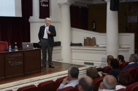 """Ciclo de Conferencias por el Día Mundial del Parkinson (6) • <a style=""""font-size:0.8em;"""" href=""""http://www.flickr.com/photos/129072575@N05/17097351345/"""" target=""""_blank"""">View on Flickr</a>"""