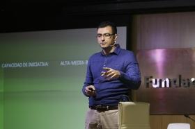 """Conferencia sobre 'Impresionar en tu Primera Entrevista de Trabajo' en la Fundación Cajasol • <a style=""""font-size:0.8em;"""" href=""""http://www.flickr.com/photos/129072575@N05/27630457393/"""" target=""""_blank"""">View on Flickr</a>"""