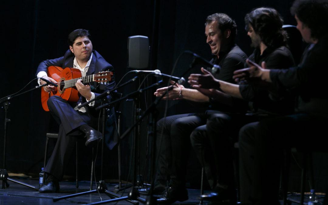 Éxito de Manuel Valencia en los Jueves Flamencos de la Fundación Cajasol
