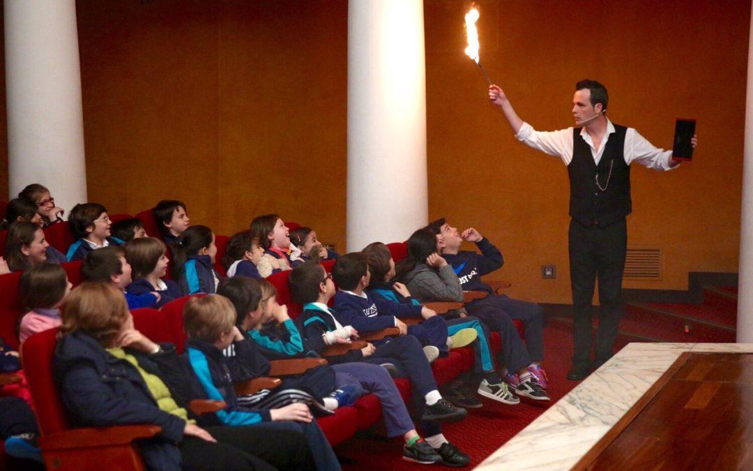 El programa educativo ¡Abracadabra! despierta la ilusión por la magia en los más pequeños