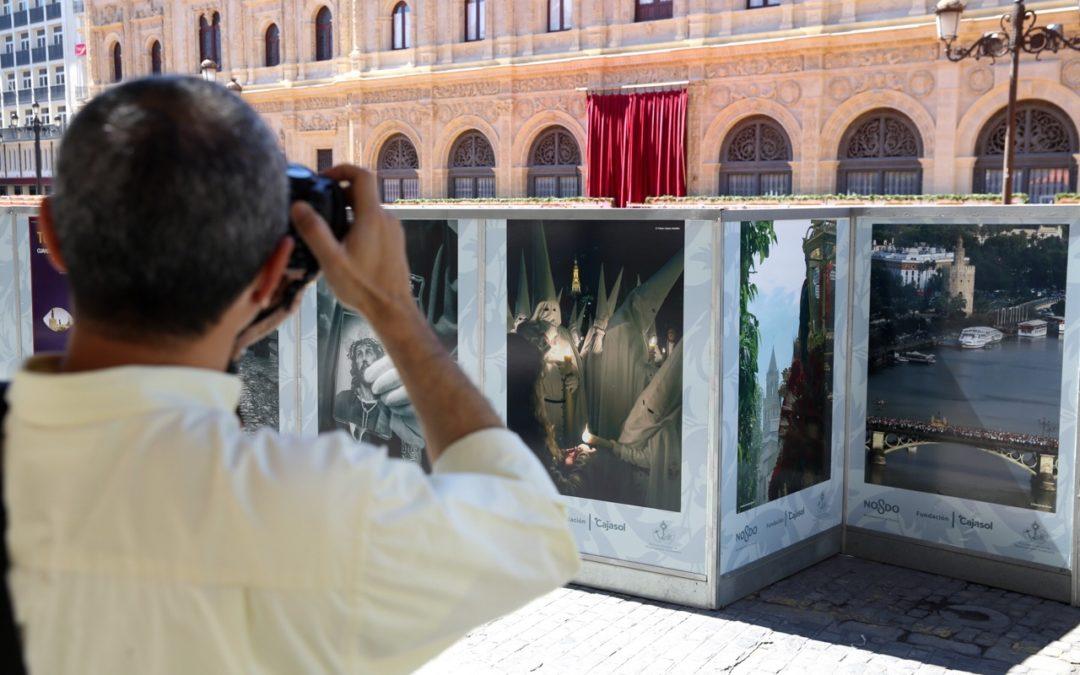 Una magnifica exposición de la FundaciónCajasol decora la Carrera Oficial de la mano de 30 fotógrafos sevillanos