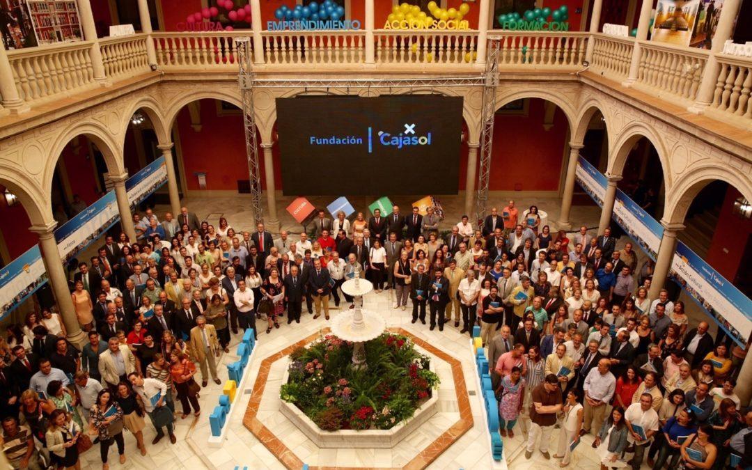 La Fundación Cajasol presenta su memoria de actividades 2014 con más de 633 proyectos de los que se benefician más de 1,5 millones de personas