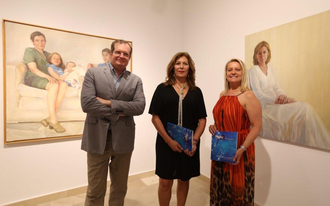 La pintora Reyes de la Lastra presenta por primera vez sus 'Retratos' en nuestra sede de Cádiz