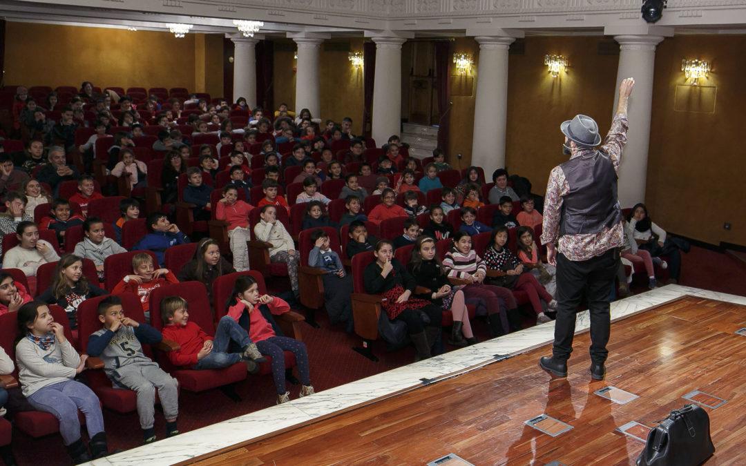El programa educativo de la Fundación Cajasol sigue su curso acercando la tradición oral andaluza a los escolares