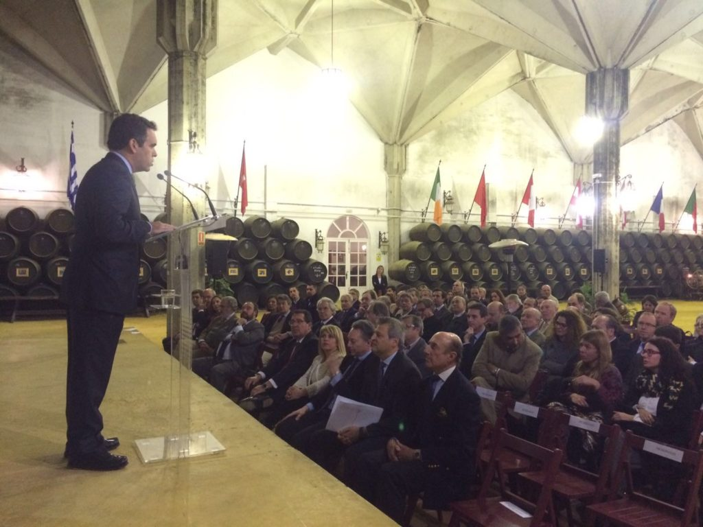 Rafael Navas, director del Diario de Jerez, presentó a Jesús Medina, consejero delegado y director general de Williams & Humbert
