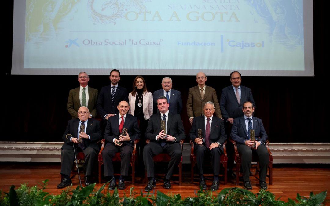 La Fundación Cajasol entrega los Premios 'Gota a Gota de Pasión 2016' y presenta el programa de mano de la Semana Santa de Sevilla