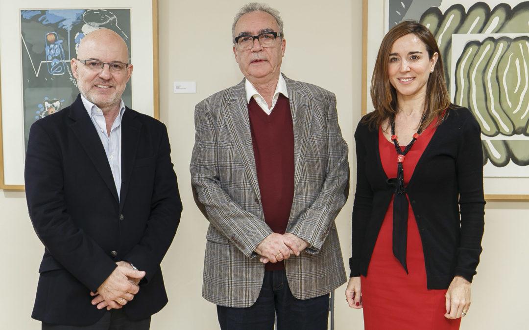 Juan José Millás presenta su última novela, 'Desde la sombra', en la Fundación Cajasol