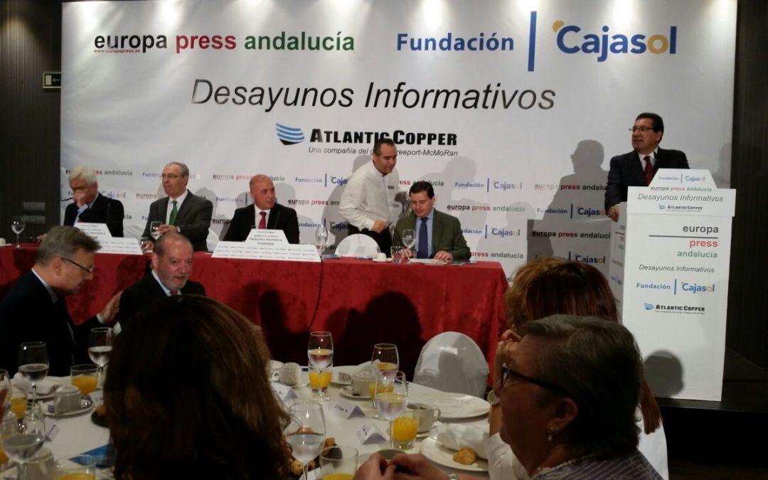 Antonio Pulido asiste a la conferencia de Antonio Ruiz, presidente de la Diputación de Córdoba, en los Desayunos de Europa Press Andalucía