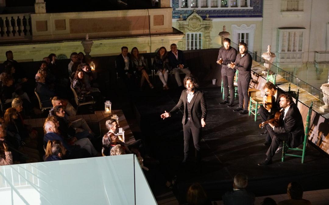 Deliciosa velada en la azotea de la Fundación Cajasol en Cádiz con el concierto de Arcángel