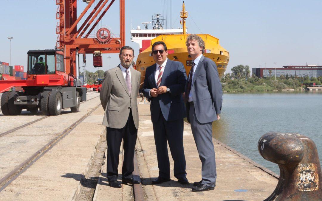 La Autoridad Portuaria y la Fundación Cajasol suman esfuerzos para acercar a Sevilla las potencialidades de su Puerto