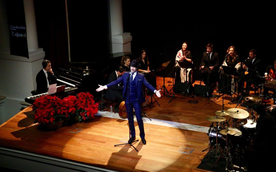 Manuel Lombo conquista los corazones en la Fundación Cajasol con la banda sonora de la Navidad