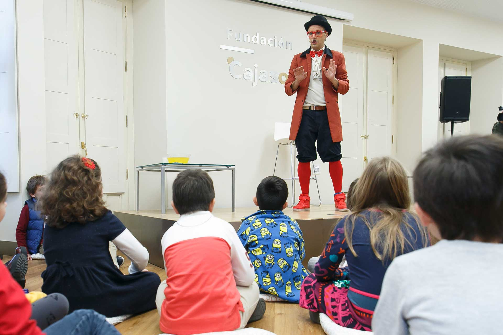 Taller de magia dentro de los Gozos de Diciembre 2016 en la Fundación Cajasol