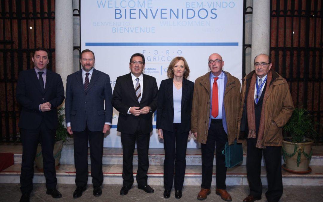 El Cooperativismo Agrario, a debate en el I Foro Agroalimentario del Instituto de Estudios Cajasol