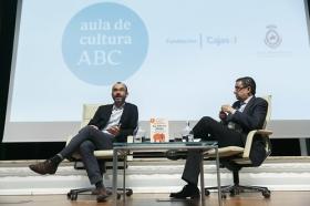 "Aula Cultura ABC de Sevilla: Rafael Santandreu (5) • <a style=""font-size:0.8em;"" href=""http://www.flickr.com/photos/129072575@N05/31637776765/"" target=""_blank"">View on Flickr</a>"