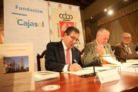 """Firma de convenio 2018 entre la Real Academia de Córdoba y la Fundación Cajasol (12) • <a style=""""font-size:0.8em;"""" href=""""http://www.flickr.com/photos/129072575@N05/25958601707/"""" target=""""_blank"""">View on Flickr</a>"""