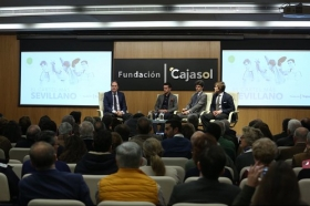 """Charla 'El cartel más sevillano' en la Fundación Cajasol (14) • <a style=""""font-size:0.8em;"""" href=""""http://www.flickr.com/photos/129072575@N05/26960474298/"""" target=""""_blank"""">View on Flickr</a>"""